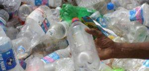 La production de plastique a reculé