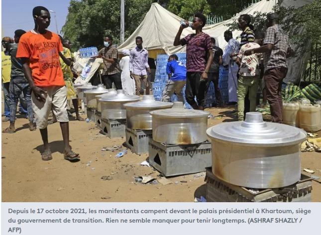 Khartoum ils réclament un gouvernement militaire